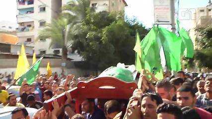 Palestinos velam mortos de conflito na Faixa de Gaza