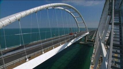 Russia opens controversial bridge in Crimea