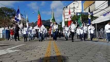 RJ Inter TV1 acompanha desfile cívico em Nova Friburgo, no RJ