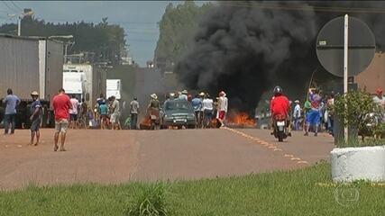 Protesto de caminhoneiros contra alta do diesel para trânsito em todo o país
