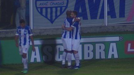 GOL DO AVAÍ! Rodrigão marca contra o Paysandu, aos 42 do 1º tempo