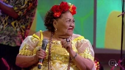 """Dona Onete canta """"O Boto Namorador das Águas de Maiuatá"""""""