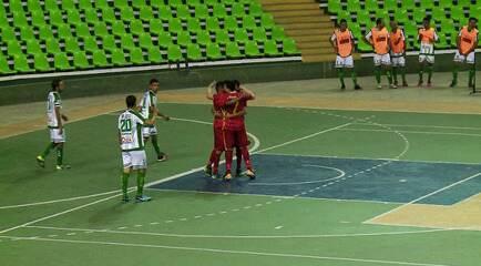 Defesa vacila, e Caruaru-PE faz 1 a 0 com 11 segundos de jogo na Taça Brasil
