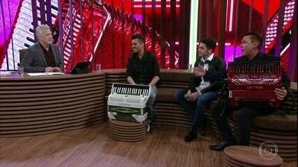 Jonas Esticado, Luan Estilizado e Amazan explicam nomes artísticos e estilos de forró