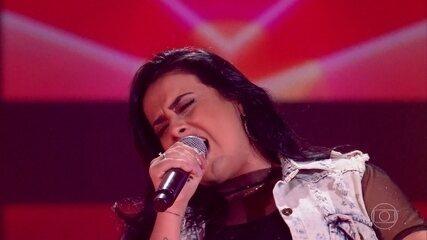 """Flávia Souza canta """"126 Cabides"""""""