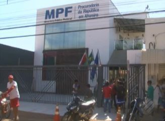 Indígenas procuram a Justiça Federal em Altamira para pedir a retirada de invasores