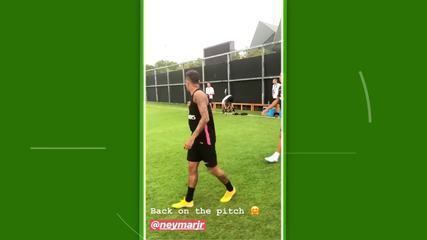 Neymar se reapresenta e treina com o PSG na China