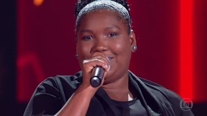 "Jamille Alves canta ""Joga Fora"""