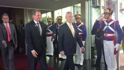 Ministro da Defesa, Silva e Luna, e secretário de Defesa dos EUA, Jim Mattis, em Brasília