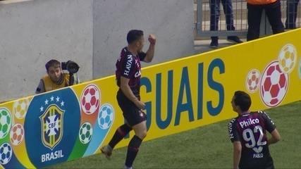 Gol do Atlético-PR! Raphael Veiga aproveita rebote na pequena área e amplia com 16' do 1º