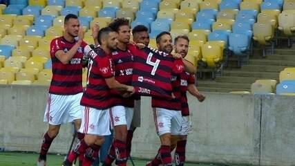 Gol do Flamengo! Diego desloca Jandrei e amplia de pênalti aos 11 do 2º tempo