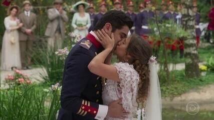 REVEJA A CENA em que Lídia realiza o sonho de Randolfo durante o casamento
