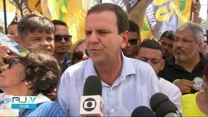 Eduardo Paes faz campanha em São Gonçalo