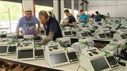 Urnas eletrônicas começam a ser enviadas para as seções eleitorais