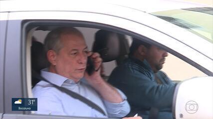 Candidato à presidência Ciro Gomes (PDT) dá entrevista em rádio de Belo Horizonte