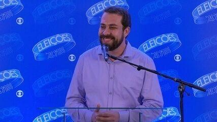 Guilherme Boulos (PSOL) concede entrevista coletiva após debate da Rede Globo