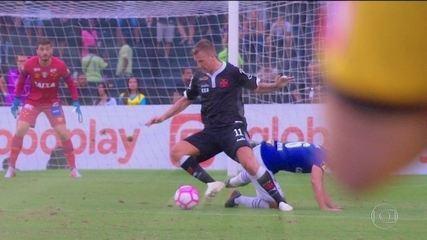 Maxi López faz a diferença e ajuda o Vasco a vencer o Cruzeiro
