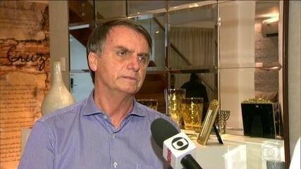 Candidato do PSL, Jair Bolsonaro passa o dia em casa no Rio e discute saneamento