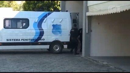 Pastores chegam para audiência sobre morte de irmãos, em Linhares