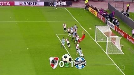 Grêmio vence River Plate, em Buenos Aires, pelo jogo de ida da semifinal da Libertadores; gol de Michel