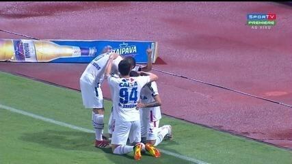 Gol do Avaí! Renato recebe passe açucarado e amplia, aos 5 minutos!