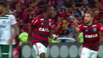 Gol do Flamengo contra o Palmeiras