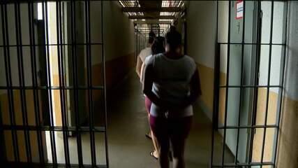 Tráfico de drogas é o crime que mais prende mulheres no Brasil