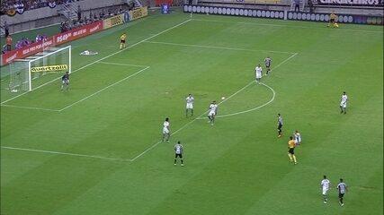 Confira alguns lances em que Igor Rabello impediu a bola de ir para o gol após uma finalização adversária