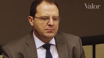 Barbosa: Meta do superávit primário é compatível com a queda da dívida
