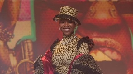 Karol Conka canta 'Malemolência' no palco do Fantástico