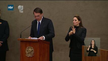 Jair Bolsonaro discursa em cerimônia de diplomação no TSE