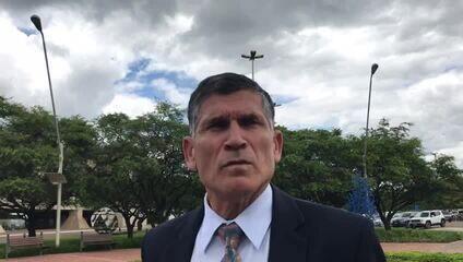 Futuro ministro da Secretaria de Governo, Carlos Alberto dos Santos Cruz, comenta Battisti