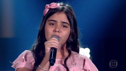 Gio Souza canta sucesso 'Promete'