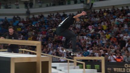 Brasileiro Kelvin Hoefler fica em segundo lugar na etapa do Rio de Janeiro do Mundial de skate street
