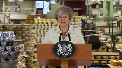 Theresa May diz que Brexit pode não acontecer