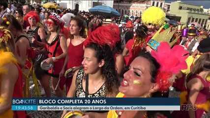 Sábado de animação no Largo da Ordem, com o Pré-Carnaval