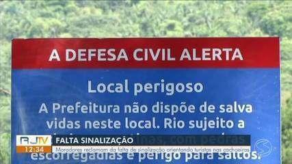 Moradores reclamam da falta de sinalização orientando turistas nas cachoeiras