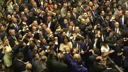 Aliados comemoram com Maia vitória em 1º turno para presidência da Câmara