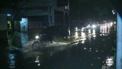 Autoridades se reúnem para planejar o que fazer após chuva no Rio