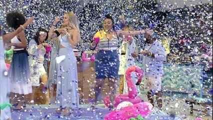 Elana elogia chuva de papel na Festa Gillete Venus
