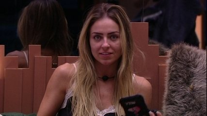 Paula reclama de sister: 'Falta de respeito'