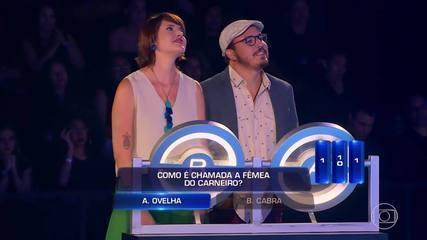 Marcos e Leticia tentam se dar bem no 'The Wall'