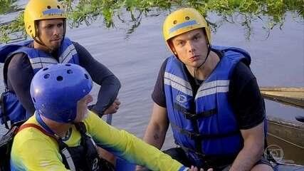 'Os Impressionantes': Otaviano se aventura no rafting com Otto Hassler