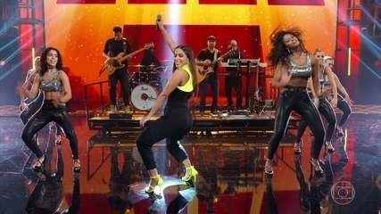 Anitta canta novo hit 'Terremoto'