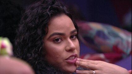 Elana revela se sente atração por Maycon