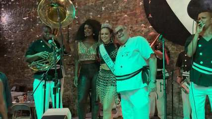Paolla Oliveira é coroada Rainha do bloco Cordão do Bola Preta no Carnaval 2019
