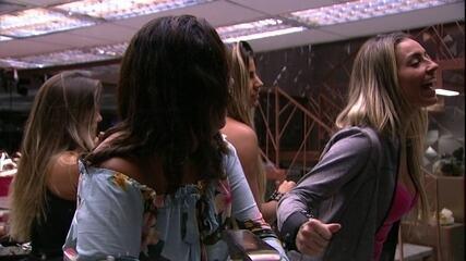 Paula reclama com Tereza: 'Está me deixando doida'
