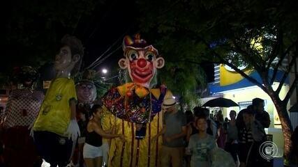 Tradicional desfile dos Bonecões da Barra acontece em Salto