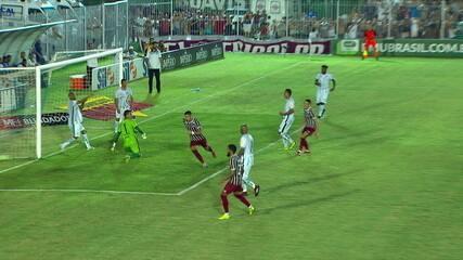 Gol do Fluminense!Everaldo chuta e Luciano completa de letra para fazer o segundo aos 38 do 1º