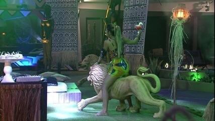 Hariany rebola em cima da decoração da festa